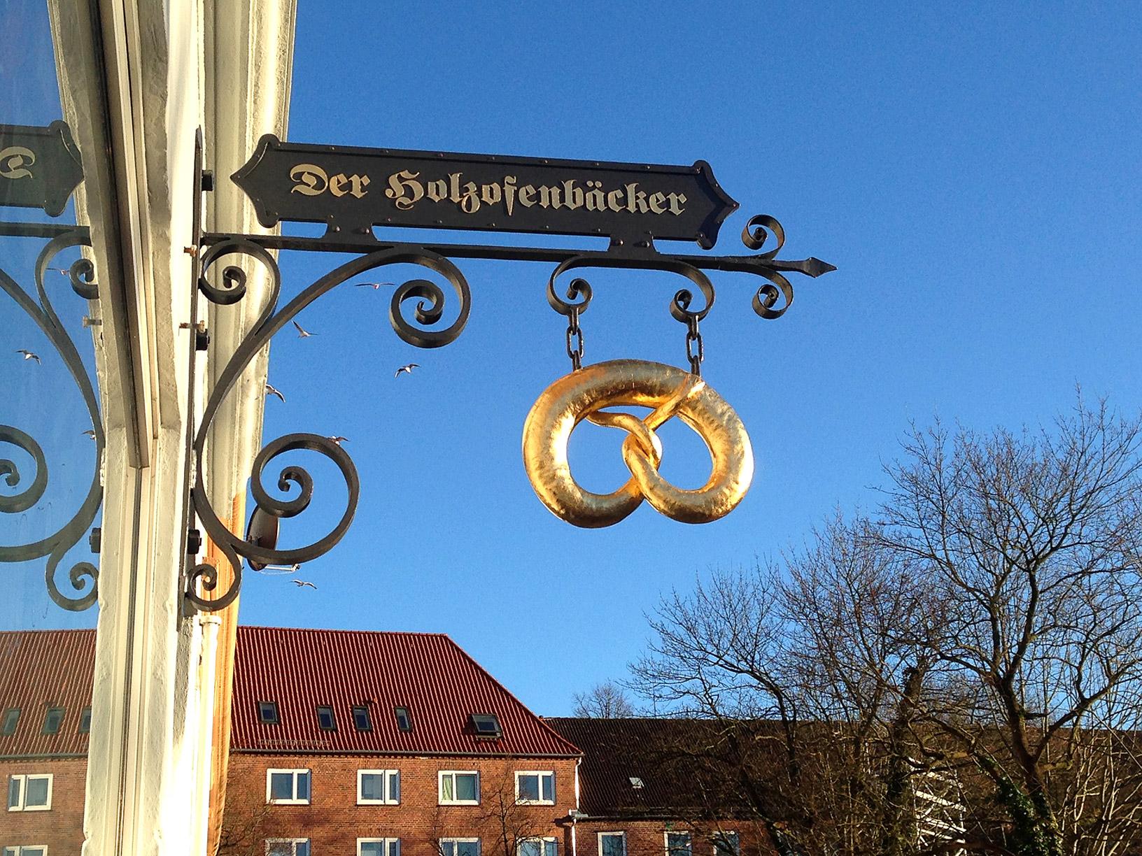 Ausleger Holzofenbäcker Kiel aus der Schmiede Kiel