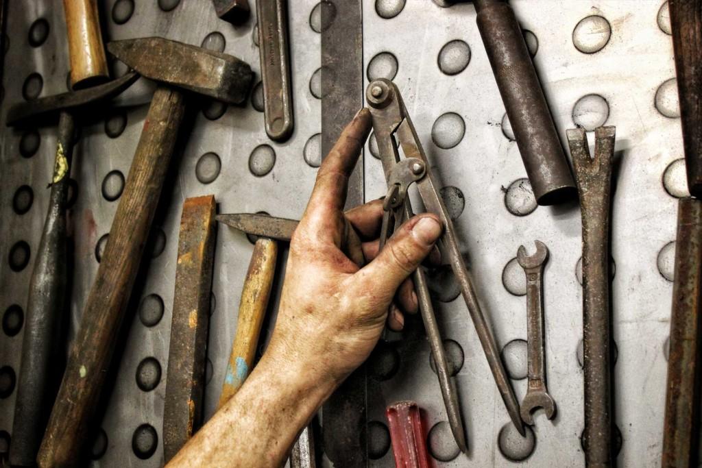 Die Werkzeugwand der Schmiede Kiel füllt sich